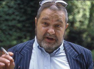 Фотография Юлиана Семёнова в его последний визит в Париж сделана Д.П.Савицким в 1993 году.