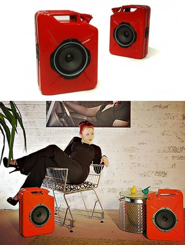 Акустическая система «Jerrycan Gas Can Speakers» из канистр.