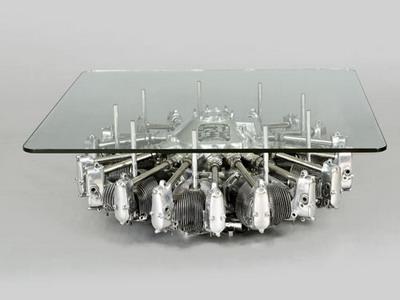 Журнальный столик из старого авиационного двигателя