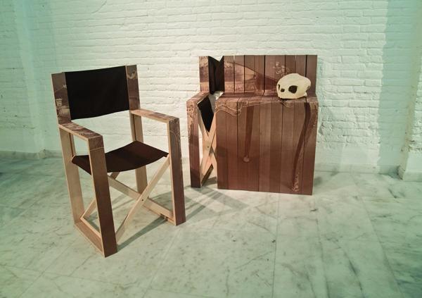 Складные стулья «Com-oda», превращающиеся в приставной столик