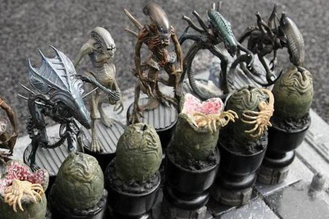Шахматы «Чужие» против «Хищников»