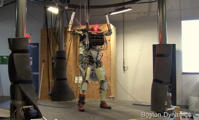����������� �����-�������� �Petman� �� �Boston Dynamics� (�����)