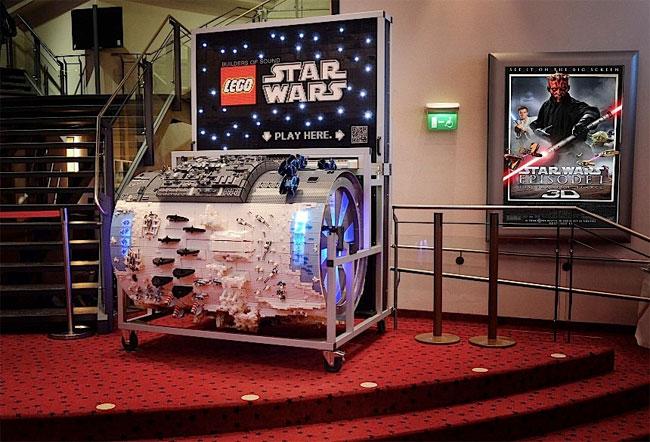 Гигантская Диорама «Lego Star Wars» воспроизводит саундтрек из фильма «Звездные войны» (видео)