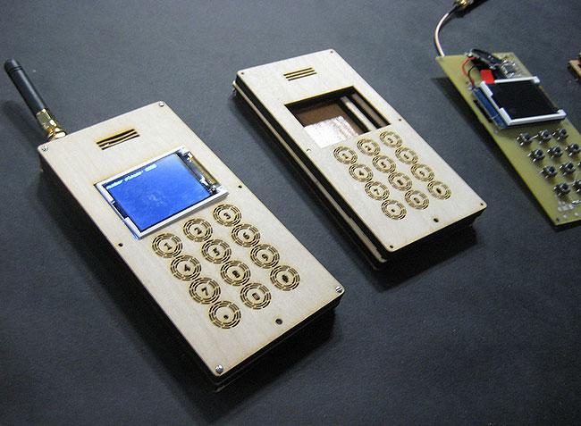 Деревянный мобильный телефон «DIY»