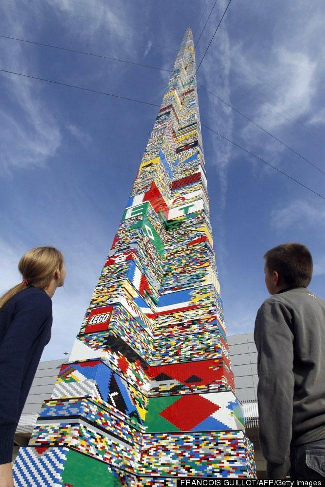 32-х метровая башня из элементов «Lego» побила мировой рекорд