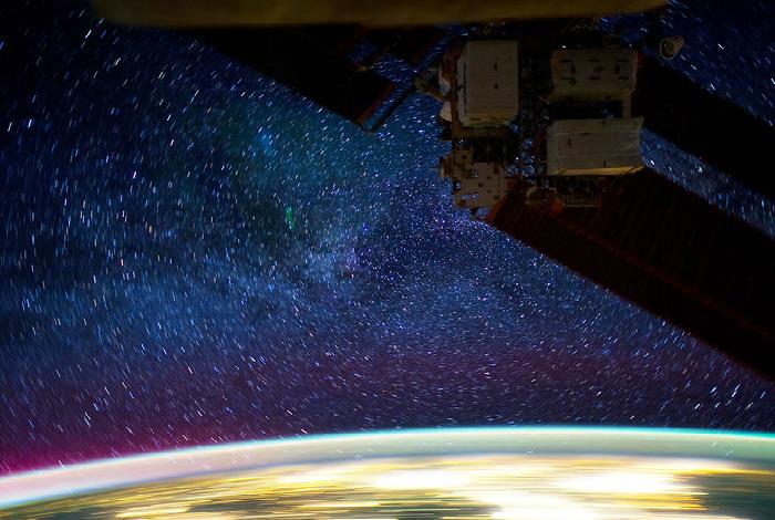 Невероятный вид с Международной Космической Станции (видео)