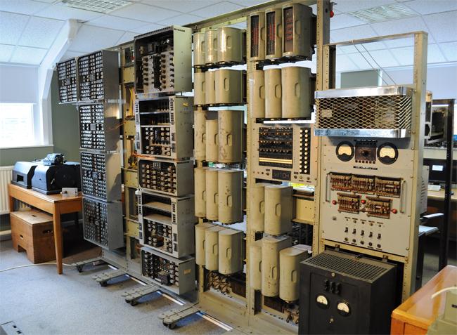 Самый старый цифровой компьютер «WITCH»