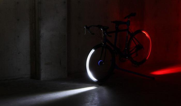 «Revolights» - безопасность велосипедиста в стиле «TRON» (видео)