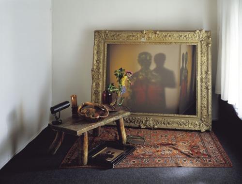 Скульптуры и портреты из света, тени и мусора от Диета Виегмана
