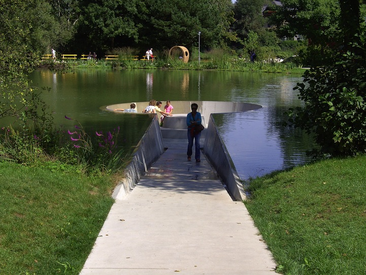 Потрясающая смотровая площадка на уровне воды, Vocklabruck, Австрия