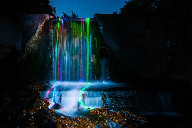 Полуночные радужные водопады «Neon Luminance»