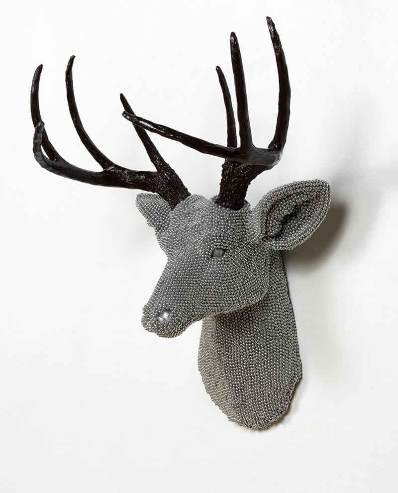 «Urban Herd»: чучела животных из стальных шариков от пневматической винтовки