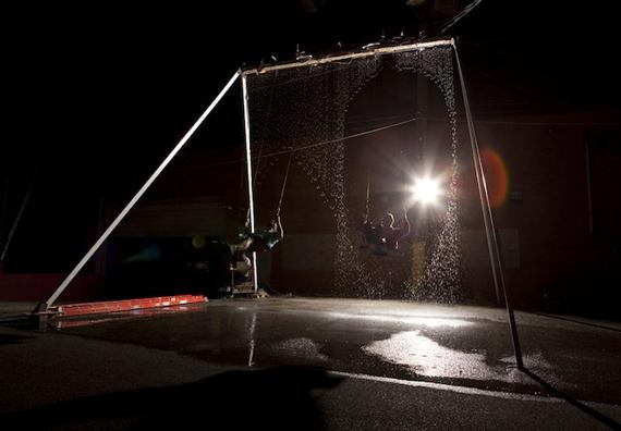 Интерактивные Качели – водопад (Waterfall Swing) (видео)