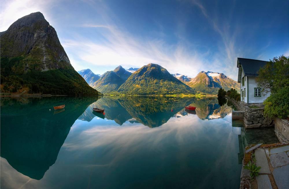 Замечательное озеро в Норвегии