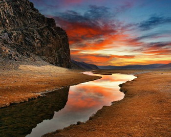 Потрясающий закат, пустыня Гоби