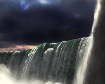 Величие Ниагарского водопада