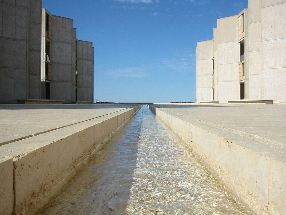 Внеземная архитектура Института Солка, Калифорния