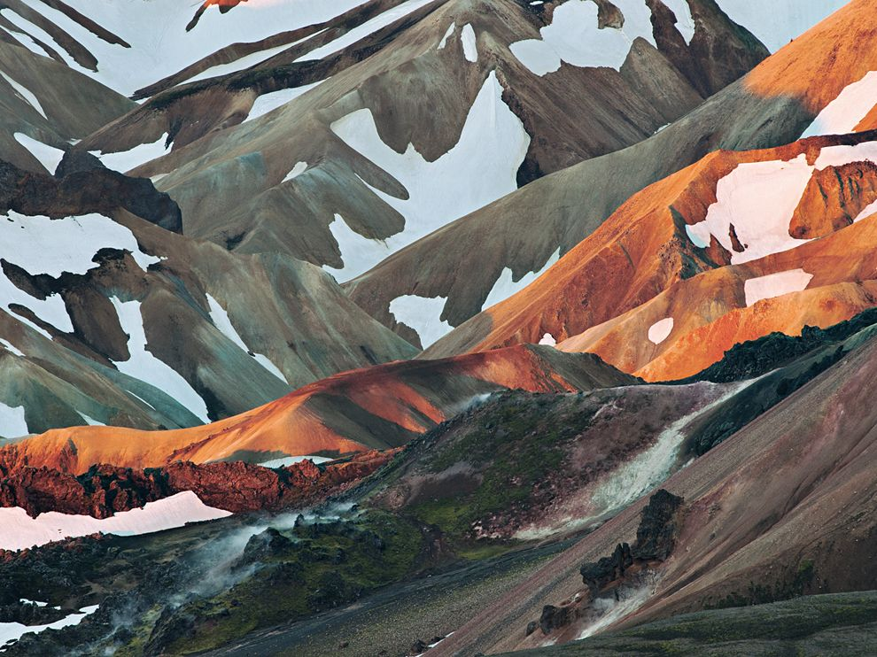 Красота и опасность липаритовых гор, Ландманналаугар, Исландия