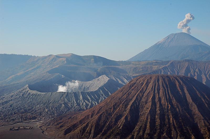 Небесные вершины вулкана Бромо, Восточная Ява, Индонезия