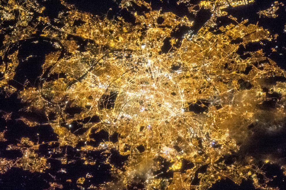 Париж – город света