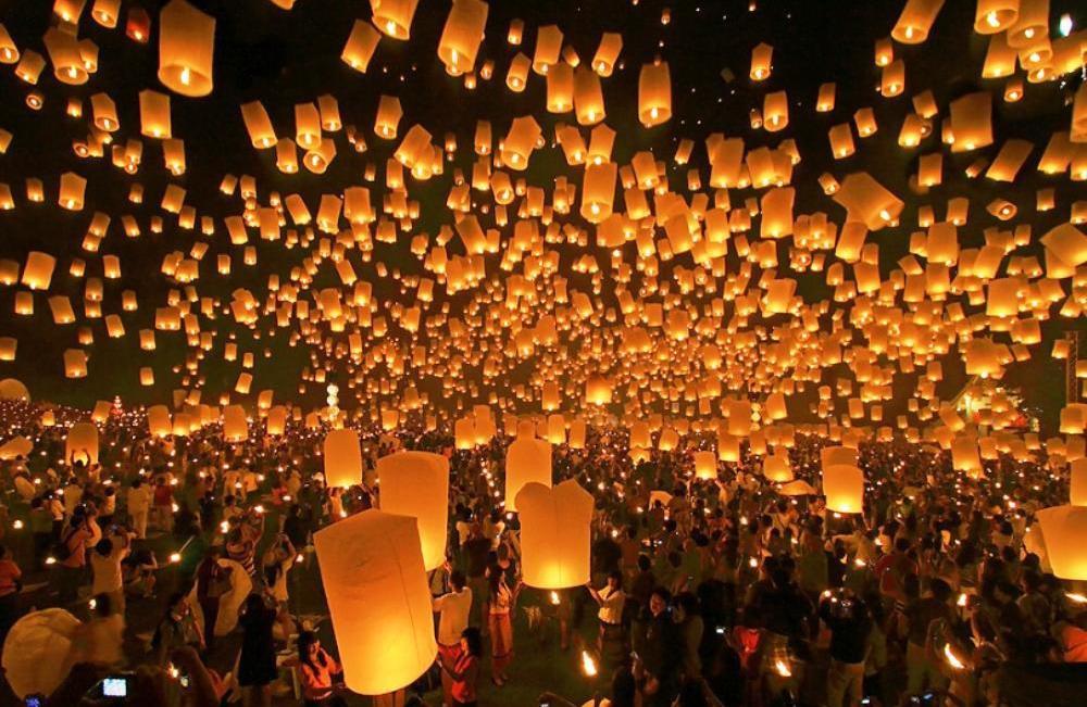 Захватывающие дух Тайский Фестиваль Фонарей