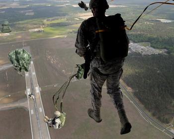 Шагающий по воздуху десантник