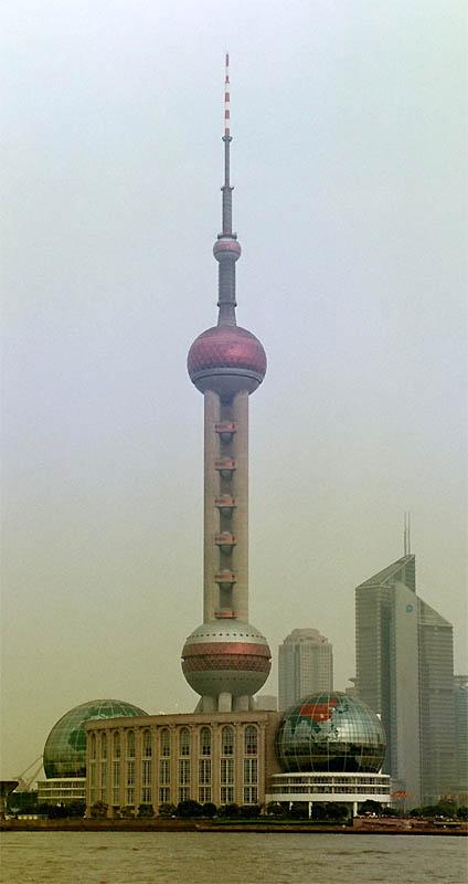 Шпиль Телебашни «Восточная жемчужина» (Oriental Pearl Tower), Шанхай, КНР