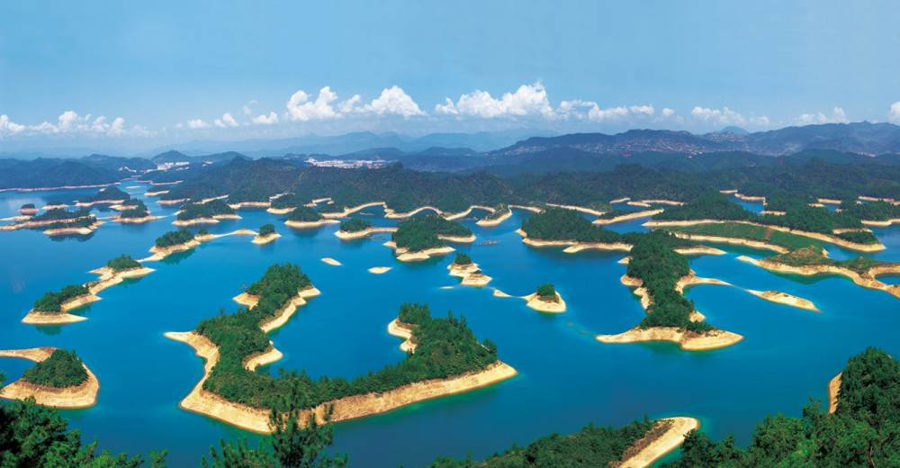 Озеро тысячи островов (Цяньдаоху), Китай