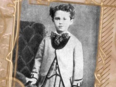 Ги де Мопассан (фр. Guy de Maupassant, полное имя — Анри-Рене-Альбер-Ги де Мопассан (фр. Henry-Rene-Albert-Guy de Maupassant)