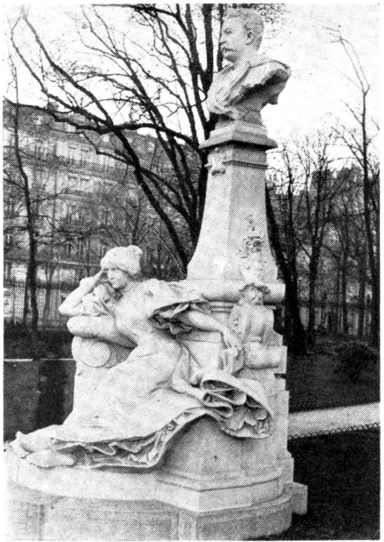 Памятник Мопассану работы Рауля Верле (1897 год) в парке Монсо, Париж