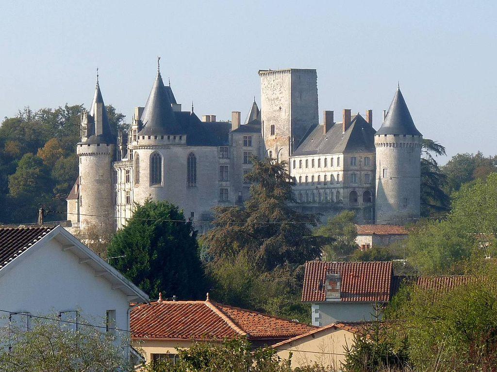 Фамильный замок Ларошфуко (Шаранта)