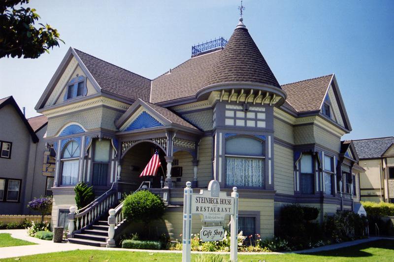 32-Централ-авеню, Салинас, Калифорния, дом, где Стейнбек жил в детстве.