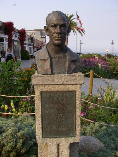 Джон Эрнст Стейнбек (англ. John Ernst Steinbeck, Jr)