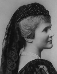 Кармен Сильва, настоящее имя Елизавета цу Вид, полное имя Елизавета Паулина Оттилия Луиза цу Вид (нем. Elisabeth zu Wied)
