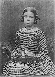 Смерть дочери Дарвина, Энни, в 1851 г. стала последней каплей, которая отвратила уже сомневающегося Дарвина от идеи всеблагого Бога.
