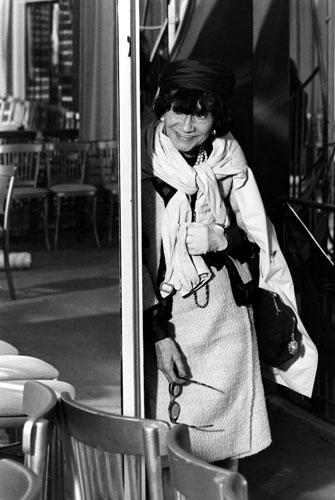 Coco Chanel, настоящее имя Габриэль Бонёр Шанель, фр.  Gabrielle Bonheur Chanel) .