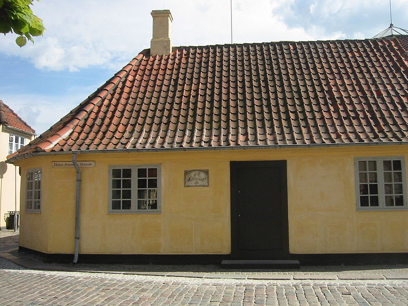 Ганс Христиан Андерсен (дат. Hans Christian Andersen). Дом Г. Х. Андерсена в Оденсе